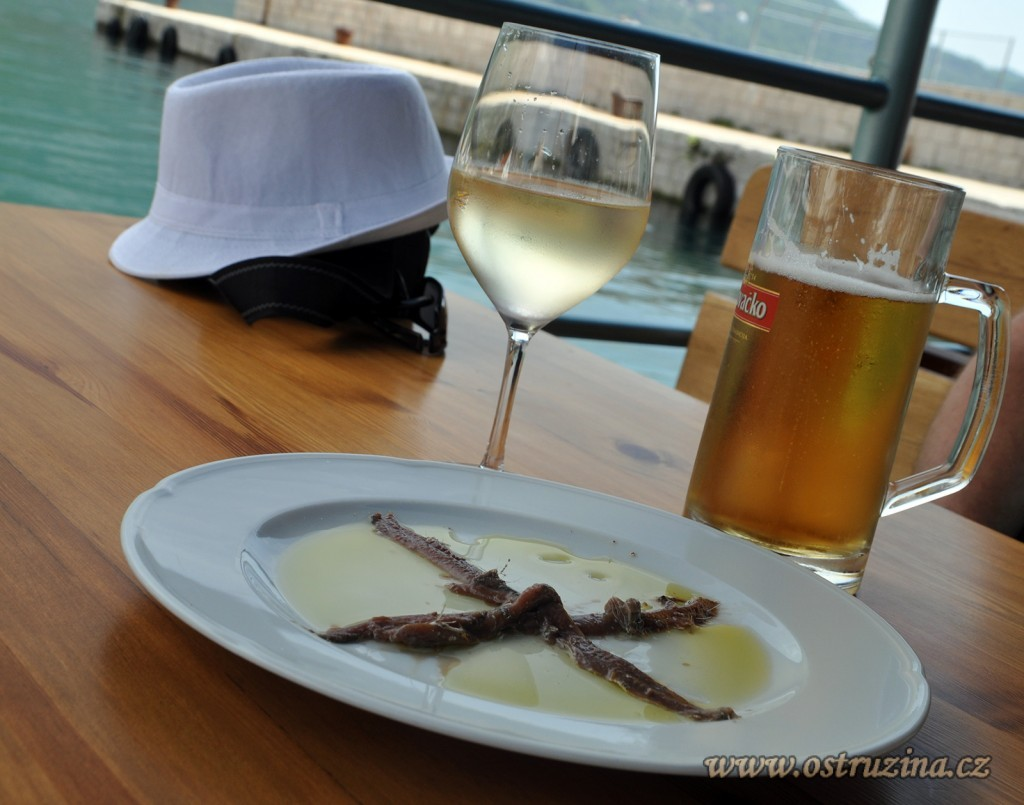 Igrane jídlo sardinky