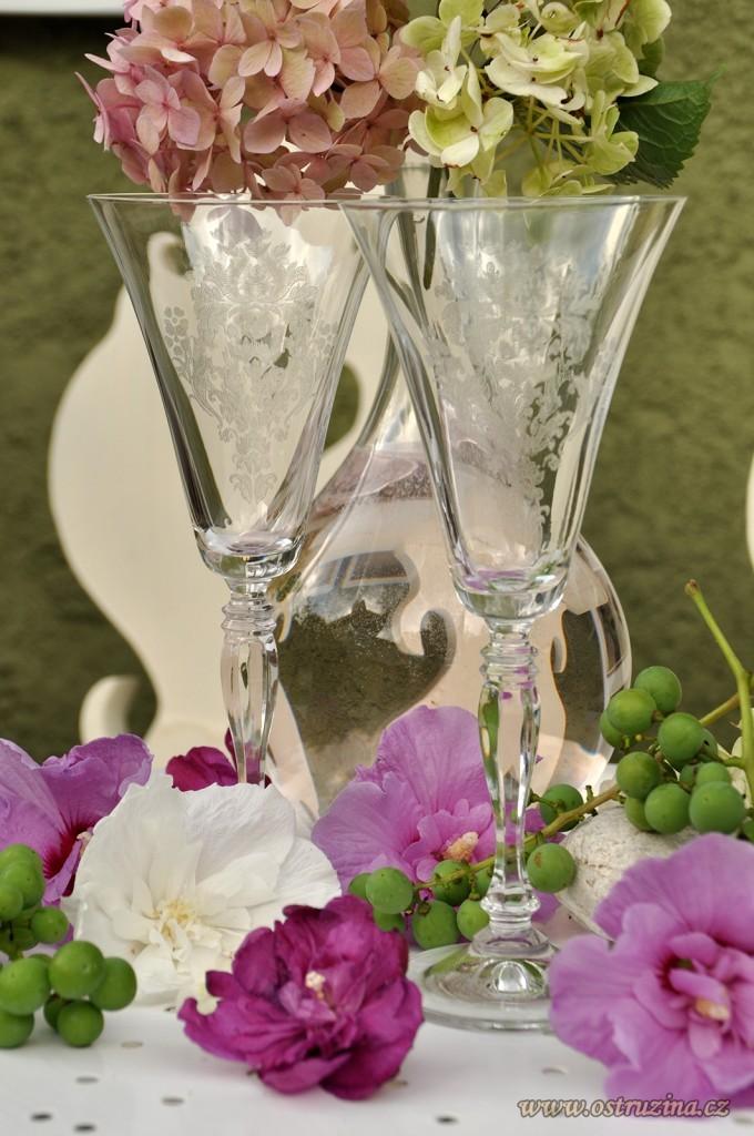 skleničky na sekt, koktejl